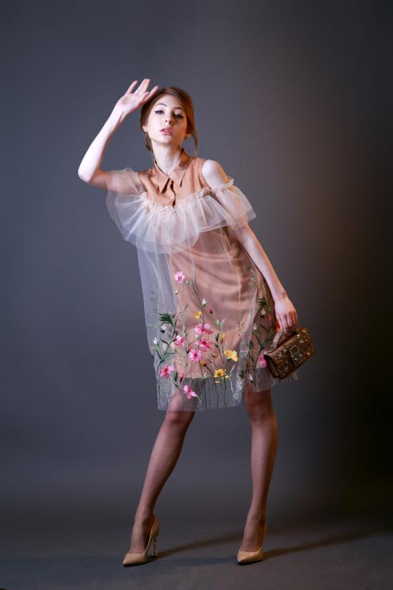 Платье – рубашка бежевое с принтом «Полевые цветы»