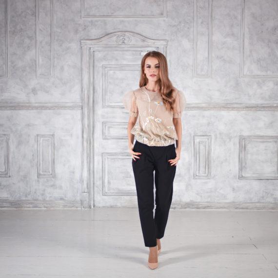 Блуза бежевая из сетчатой ткани с принтом  «Полевые цветы»